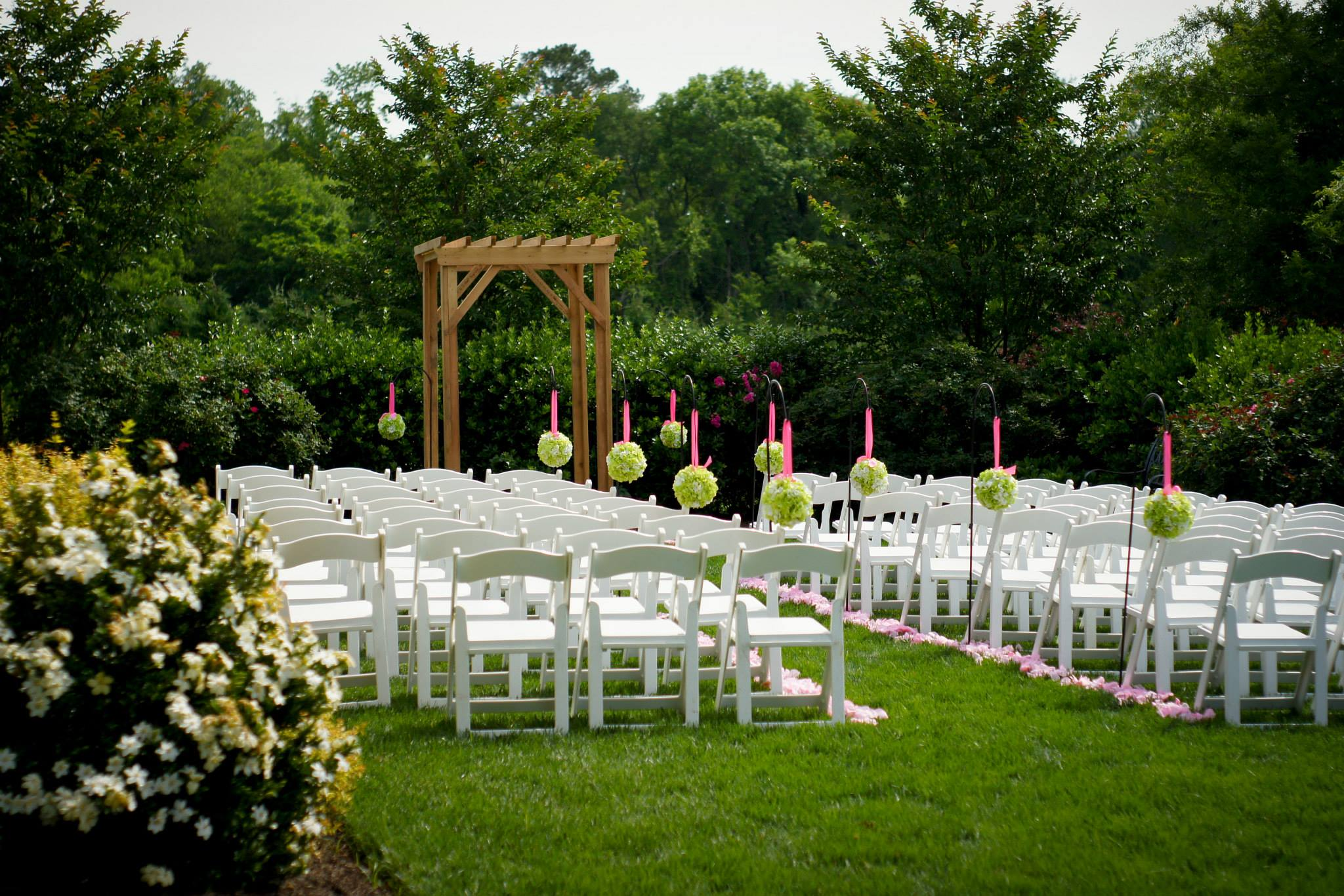 Raleigh nc outdoor wedding venue rand bryan house for Places for outdoor weddings