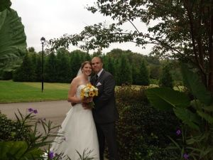 The southern trees and plants make the perfect backdrop to outdoor wedding photos