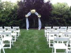 Beautiful outdoor wedding ceremony on The Rand-Bryan House side yard